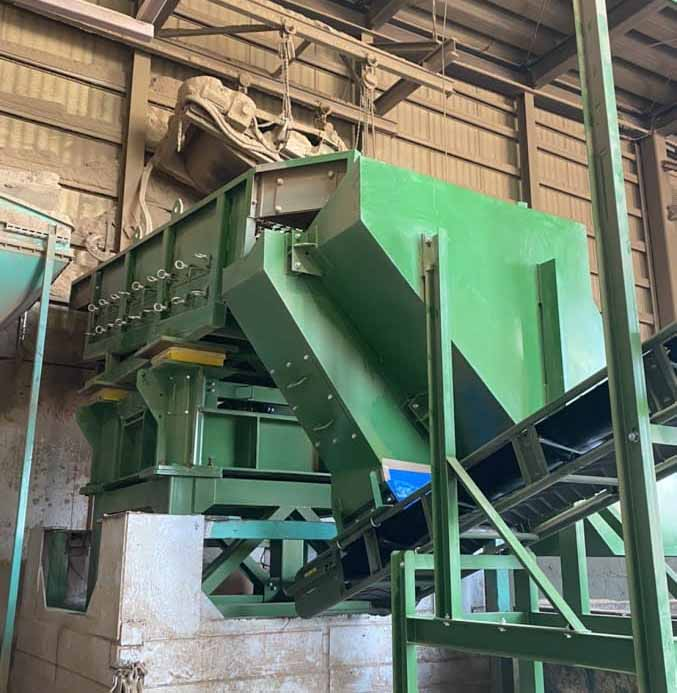 産業廃棄物の圧縮機